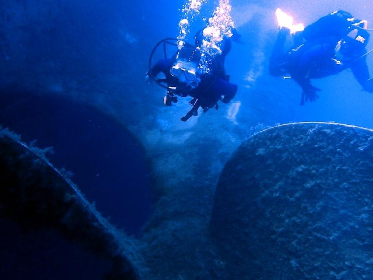 Massive propellers of the Zenobia