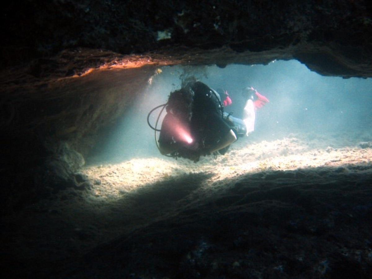 Manijin Island tunnels